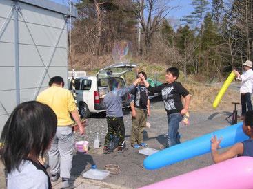 子ども縁日の様子。春休み中の子ども達が遊びに来てくれました。