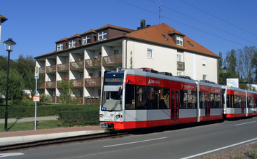 Fotomontage: Eine Straßenbahn in Lochau