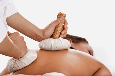 Ramon zieht durch die heißen massage