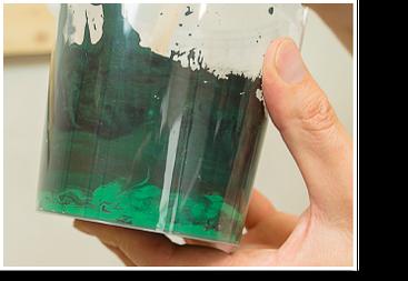 Wandfarben pigmentieren: zu einer homogenen Masse rühren