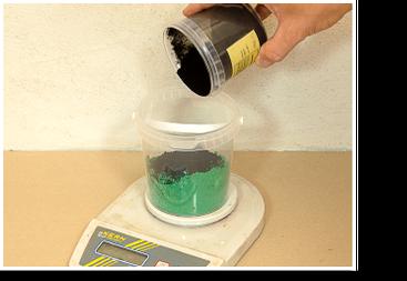 Wandfarben pigmentieren: Pigmente abwiegen