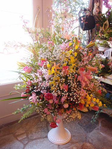 卒園式のステージ花