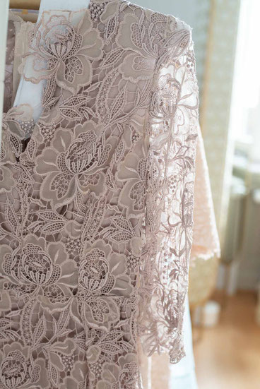 Jennifer Klein Couture Eveningwear Embroidery Spitzen Couturiere