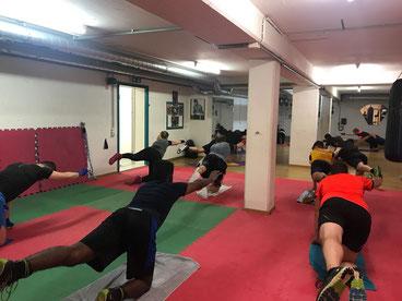 Fitnessboxen, Rumpf-Bauch und Rückentraining, April 2018, M's-Gym Bern Ittigen