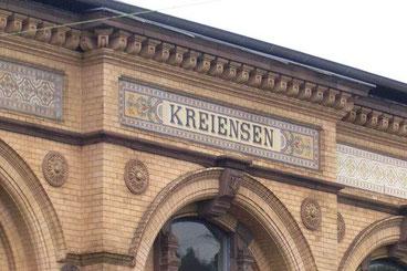 Fotohalt am nostalgischen Bahnhofsgebäude von Kreiensen