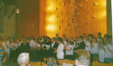 """Botkyrka in Tumba im Großraum Stockholm. Der """"Vorwärts"""" gestaltete ein Kirchenkonzert mit einer örtlichen Musikschule."""