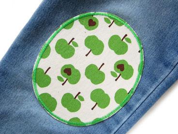 knieflicken zum aufbügeln mit kleinen grünen Äpfeln, hosenflicken apfel grün, Bügelflicken Aufbügler