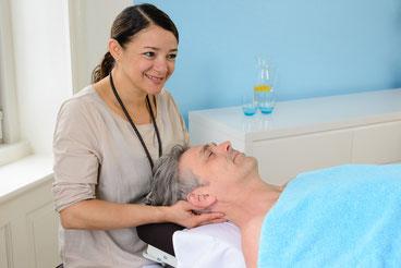 Neuza Oliveira da Silva bei der Behandlung