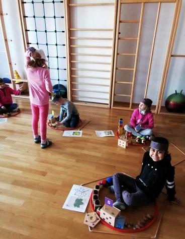 """Workshop """"Zahlenland"""" mit Christine Kalcher im Hort Voitsberg, finanziert von Licht ins Dunkel."""