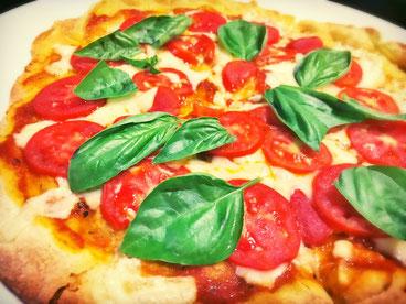 三宅サンマルツァーノ リターノ トマトピザ