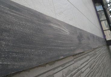 熊本市N様家の外壁塗装及び屋根塗装時。外壁とサイディング帯板の塗装前。