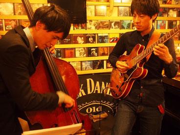 多功誠 takoh makoto ギター guitar 入船裕次 irifune yuji ベース bass 菊地良介 kikuchi ryosuke alto sax アルト サックス 麹町 パコ paco