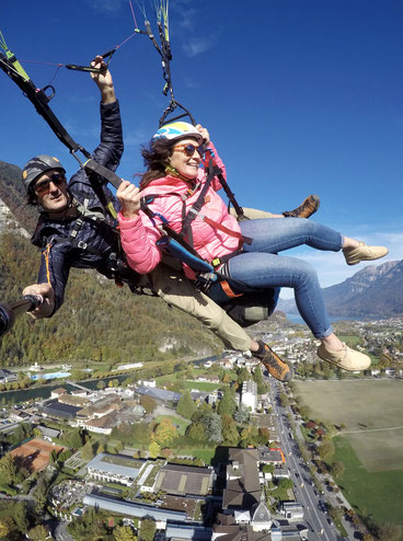 tamara linde, blog, out of the comfortzone, paragliding, interlaken, zwitserland, reis van geluk