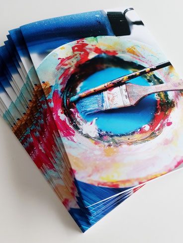 Kunstkarte fürs ganze Jahr, modern und fröhlich