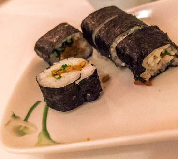 Original: Natto Maki - fermented Soya beans, a popular Japanese breakfast dish.