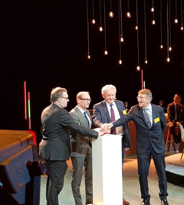 (left to right): Koen Gouweloose, VP Brussels hub, Ben Weyts, Flemish minister of Mobility,  François Bellot, Belgian Federal Minister of Transport and Ken Allen, CEO DHL Express  -  pictures: ms