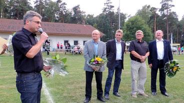 Es werden auch wieder Gäste aus Sport und Politik begrüßt.