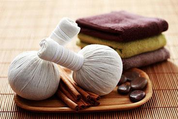 Kräuterstempel- oder Boll-Massage ... für Frauen Verden