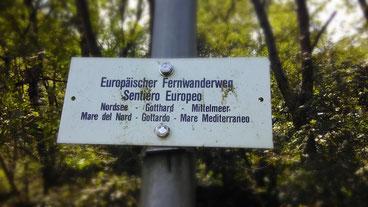 ausgerechnet in Isone gibt es den einzigen Hinweis auf den E1 in der ganzen Schweiz