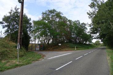 L'entrée du futur parc photovoltaïque est située en bordure de la RD20, entre La Chapelle-Monthodon et Dormans dans la Marne.