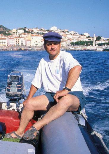 Cyr dans le port de Port-Vendres, direction la fouille de Redoute Béar.