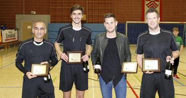 Die Schiedsrichter Yahya Budarham, Leon Reuben, Tobias Vogel und Patrick Schwarz (v.l.) hatten alles im Griff.