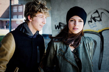 Szenenbild mit Lorenzo Nedis und Karolina Gorczyka: BR/Kordes & Kordes Film Süd GmbH/Alicja Zmyslowska