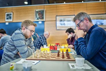 Lukas Breneis (links) gelang ein kompromissloser Angriff gegen Gordon Meyer
