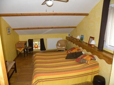 Aveyron chambre d'hôtes Aveyron chambre d'hôtes , hébergement  sud Aveyron, chambre et table d'hôtes , vacances pas cher , gîte à la campagne ,vacances insolites , séjour à thème dans l'Aveyron , séjour à la ferme , chambres d'hôtes Tarn Aveyron