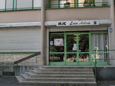 Entrée de la MJC Lucie Aubrac