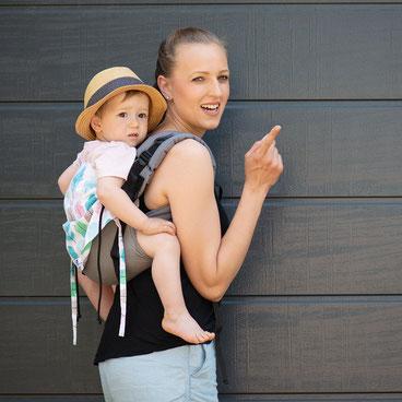 Huckepack Onbuhimo Babytrage für Kleinkinder, stufenlos mitwachsendes Rückenpanel aus Girasol Tragetuch.