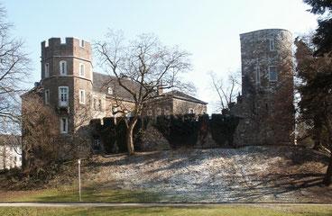 Die Burg Frankenberg aus Parksicht // Quelle: Wikipedia, Author: Sir Gawain