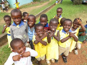 Kinder im Freiwilligenprojekt