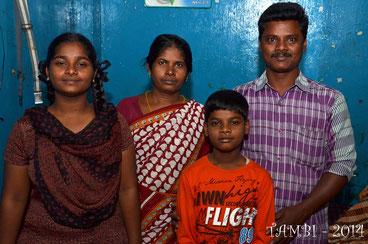 Suresh et sa famille, chez lui - Déc. 2014