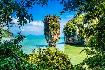 Ну вот, под конец цикла пошли попсовые картинки известных достопримечательностей :) Остров Тапу.