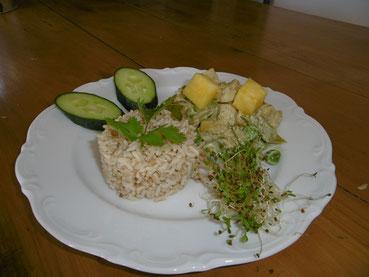 Curry vert de tofu et riz complet.