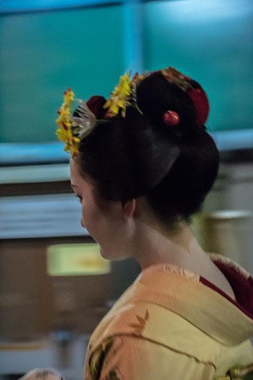 Maiko per le vie di Gion