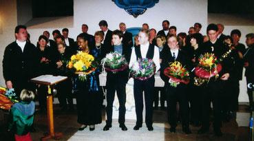 Wahnsinn, was die Sängerinnen und Sänger mit der Gospel-, Soul- und Jazzsängerin Pat Garcia erleben durften (siebte von links).