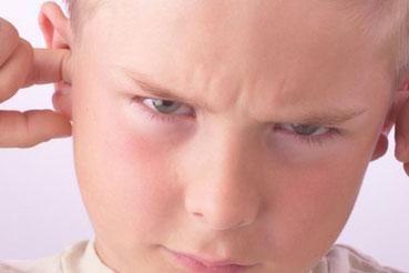Douleurs aux oreilles en avion. Un problème de pression