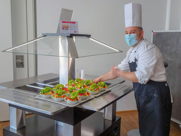 Salatbuffet in der Rotation Hannover   Foto: Bildungswerk ver.di in Nds. e.V.