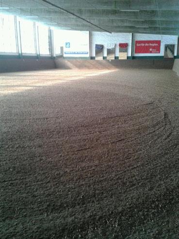 20mx40m Halle mit Reiterstübchen