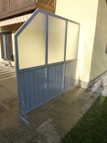 Windschutz Aluminium pulvberschichtet mit satinato Verglasung