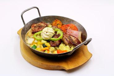 Mascha Wirt Lesachtal  Fleisch Pfandl Grill Essen Speisekarte