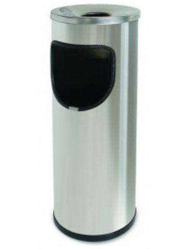Basurero cilíndrico inoxidable con cenicero BI70290 Color: Inoxidable satinado Medidas en milímetros: Diámetro: 210 Alto: 650 Capacidad: 13.5 L / 3.6 gl Contenido por caja: 4 piezas
