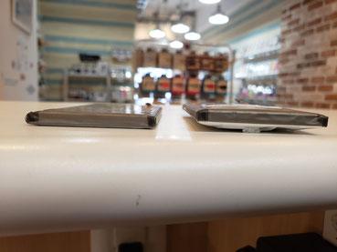 新品の倍の厚みに膨らんだGalaxy S10+バッテリー