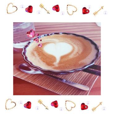 きょう、淡路島にある【ねこカフェ】(=^・^=)で頂いたコーヒーです。