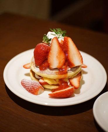 太山寺いちごのホットケーキ