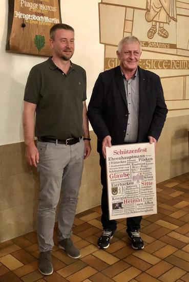 Neuer Hauptmann Michael Klein (l.) und alter Hauptmann Marcus Plugge (r.)