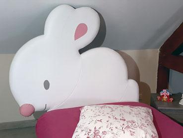 rêves en tête-tête de lit originale artisanale chambre enfant lapin
