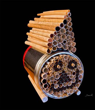 Insektenhotel Insektennisthilfe Nisthilfe inscet hotel nesting aid bug house can tin mason bee wild bee Wildbiene Pappröhrchen  Schilf Strohhalme